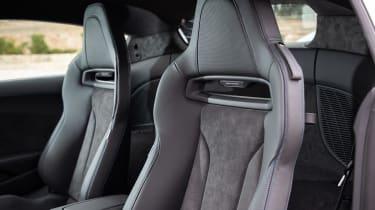 Audi R8 - seats