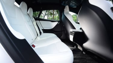 Tesla Model S 75D - rear seats