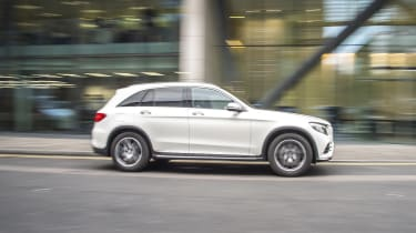Mercedes GLC 250d 2016 - side tracking