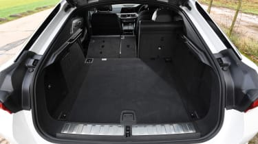 BMW X6 - boot