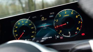 Mercedes-AMG CLA 35 - dials
