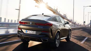 BMW X6 - rear tracking