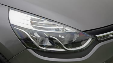 Used Renault Clio - front light
