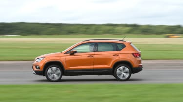 SEAT Ateca First Edition - side tracking