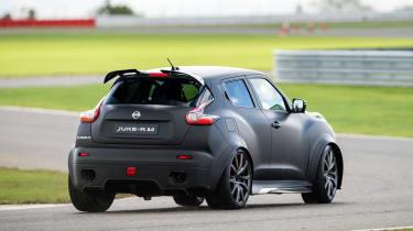 Nissan Juke-R 2.0 - rear cornering