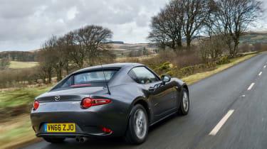 Mazda MX-5 RF 2017 1.5 UK - rear tracking