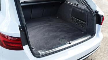 Audi A4 Avant - boot