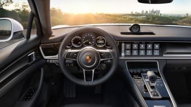 Porsche Panamera 4 E-Hybrid 2016 - interior