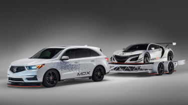 Acura NSX GT3 and MDX trailer at SEMA 2016
