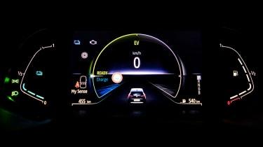 Renault Clio E-Tech - dials