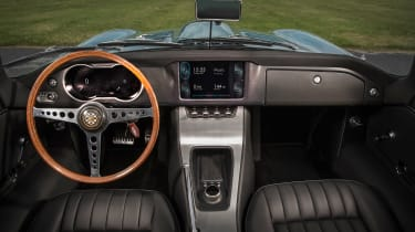 Jaguar E-Type Zero - dash