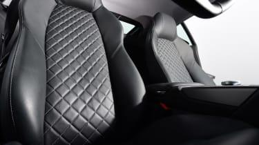 Audi R8 RWS - seats