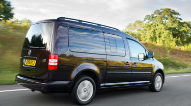 Volkswagen Caddy Maxi Life rear tracking