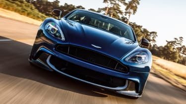 Aston Martin Vanquish S 2016 - front end