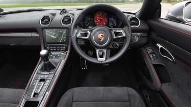 Porsche 718 Boxster GTS - dash