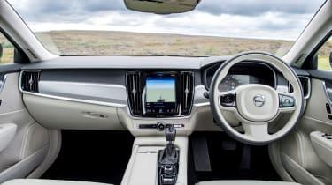 Volvo V90 D5 Momentum - interior