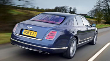 Bentley Mulsanne Speed 2017 - rear tracking