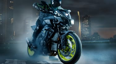 Yamaha MT-10 review - burn out