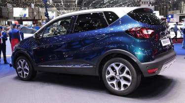 Facelifted Renault Captur Geneva - side