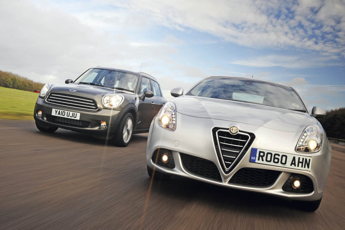 Bill Dodge Auto Group >> Alfa Romeo Giulietta vs. MINI Countryman     Auto Express