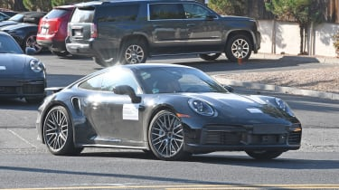 Porsche 911 Turbo S - front 3/4 tracking - spies