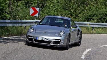 Porsche 911 Edition 918 Spyder corner