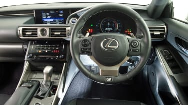 Used Lexus IS - dash
