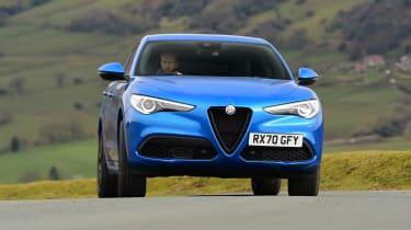 Alfa Romeo Stelvio - cornering