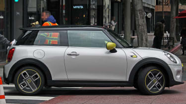 MINI electric - spy shots - side 3/4