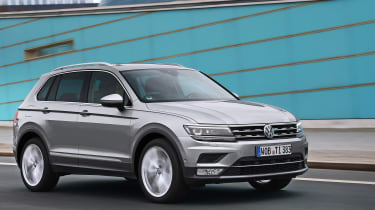 Volkswagen Tiguan 2016 - silver front tracking 2