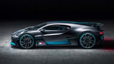 Bugatti Divo - side