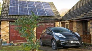 Nissan Leaf feature - solar panels