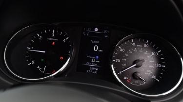 Nissan Qashqai - speedo