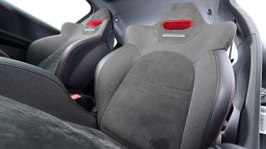 Peugeot 208 GTi - front seats