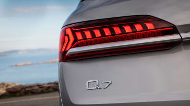 Audi Q7 - rear badge