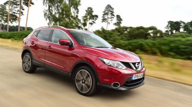 Nissan Qashqai front tracking