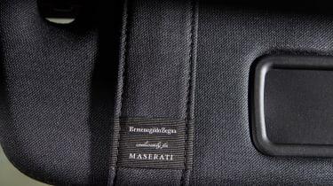 Maserati Levante GranLusso - sun visor