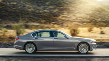 BMW 7 Series facelift - side action