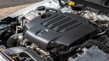 Mercedes CLA - engine