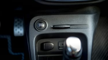 Renault Captur - start/stop button