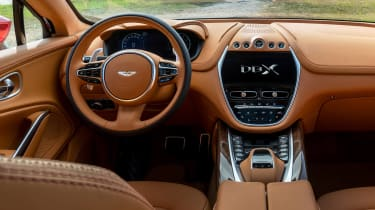 Aston Martin DBX - dash