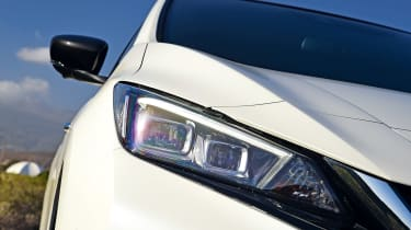 Nissan Leaf - front light