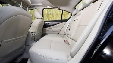 Infiniti Q50 S 2017 - rear seats