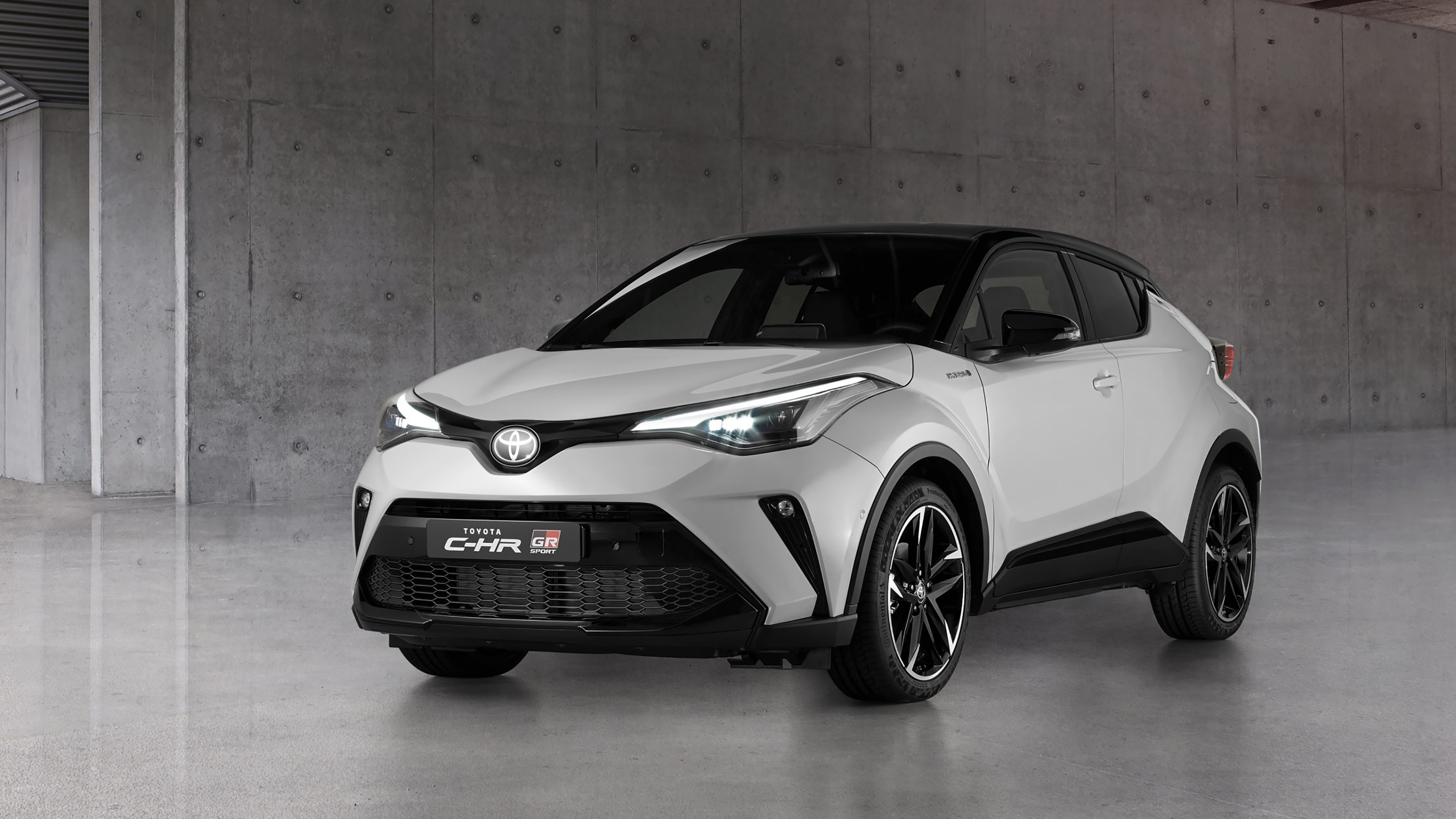 Performance Inspired Toyota C Hr Gr Sport Unveiled Auto Express
