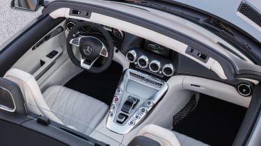 Mercedes-AMG GT C Roadster - grey cream interior