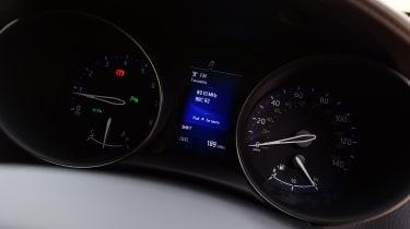 Toyota C-HR - speedo