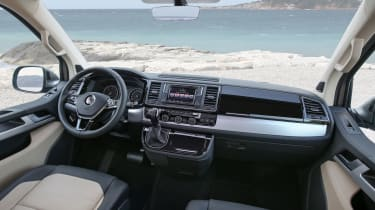 VW Caravelle - dash