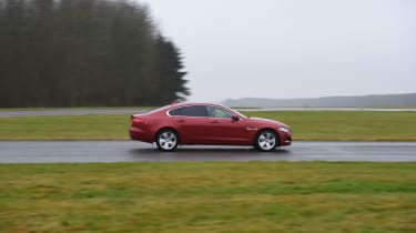 Ultimate tyre test - front wet