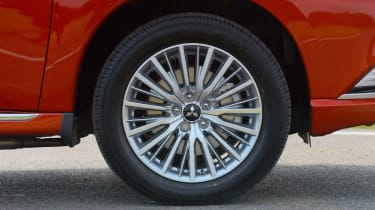 New 2019 Mitsubishi Outlander PHEV alloy wheel