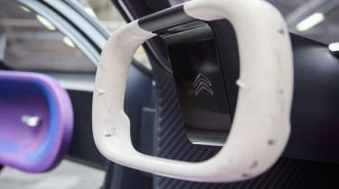 Citroen 19_19 Concept - steering wheel detail